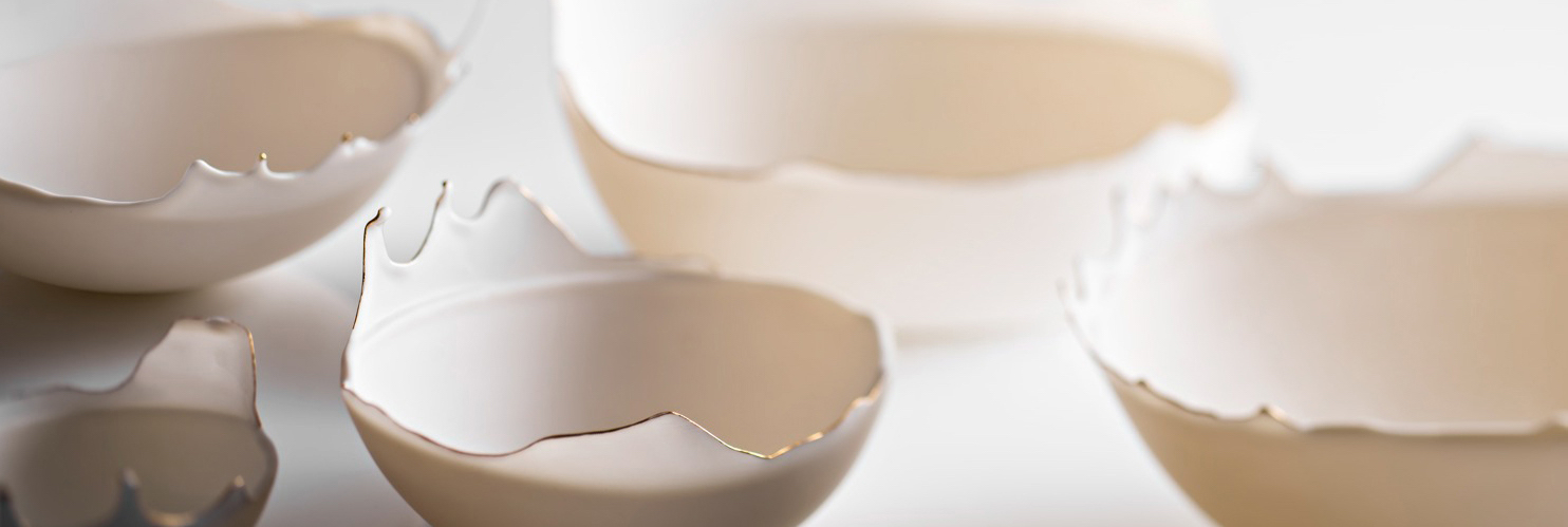 Des bols en porcelaine liquide