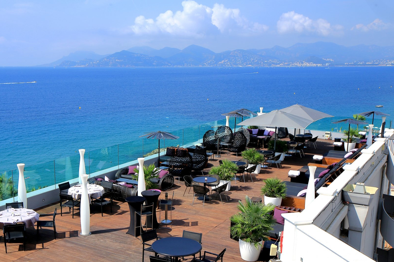 rooftop-top-restaurant-bar-tendance-sortie-cannes-radisson-hotel
