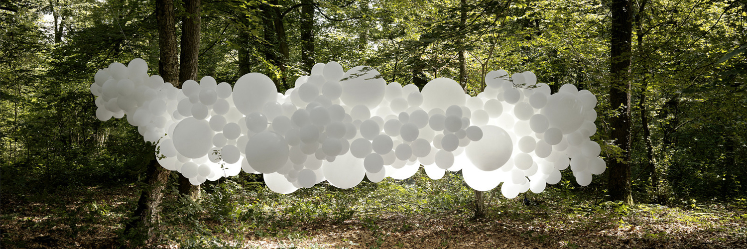 Discover Charles Petillon's oneiric balloon clouds