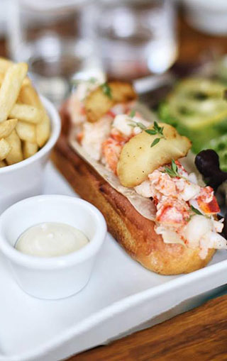 lobster-roll-homard-restaurant-paris-street-food-lobsterroll