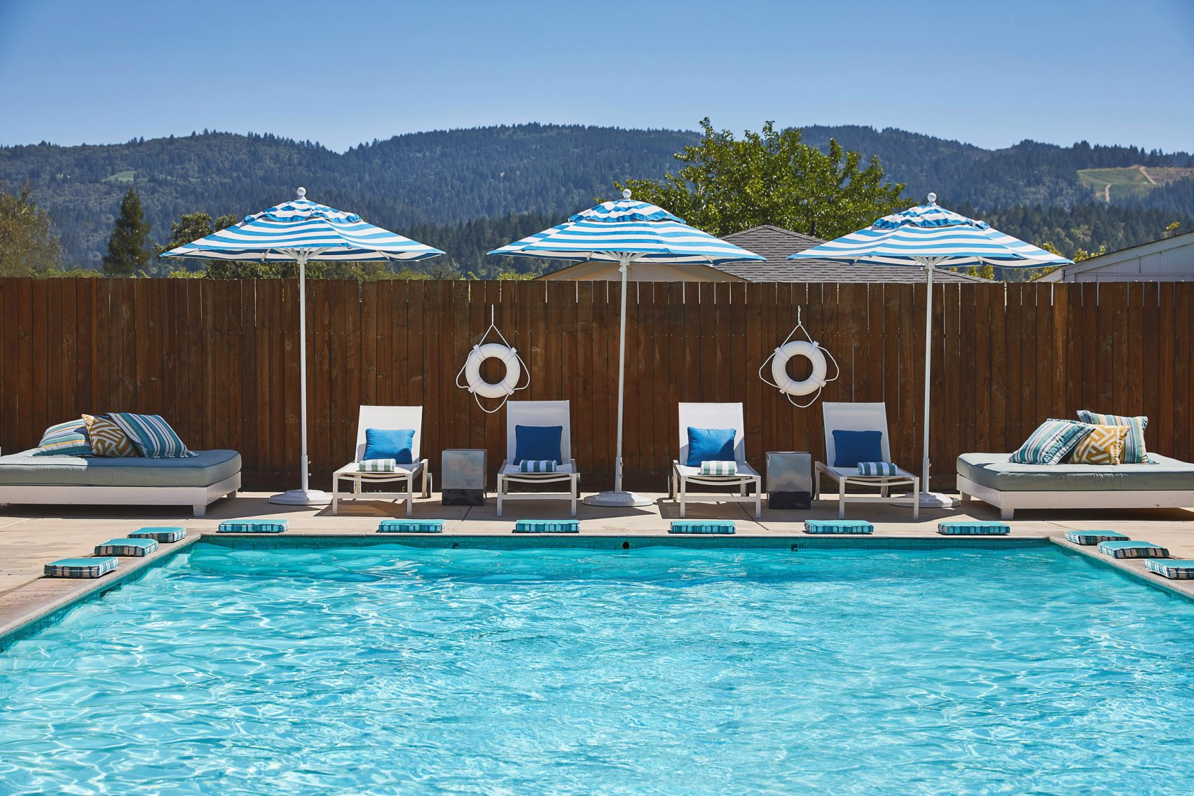 calistoga-motor-lodge-spa-wes-anderson